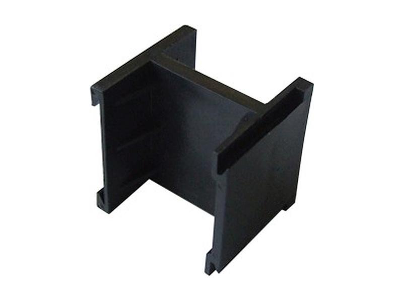 4FA 697 01.2, Distanční spona krabic KARAT (na čelo krabice)